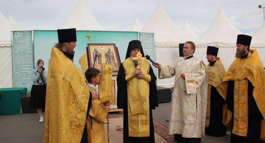 Торжественный молебен в день открытия выставки