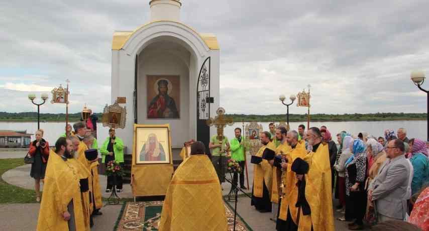 Торжественный молебен на открытии выставки